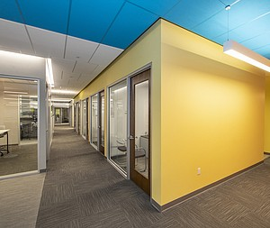 Rockfon ceilings create bold office spaces for Marsh & McLennan Agency's high-performance team