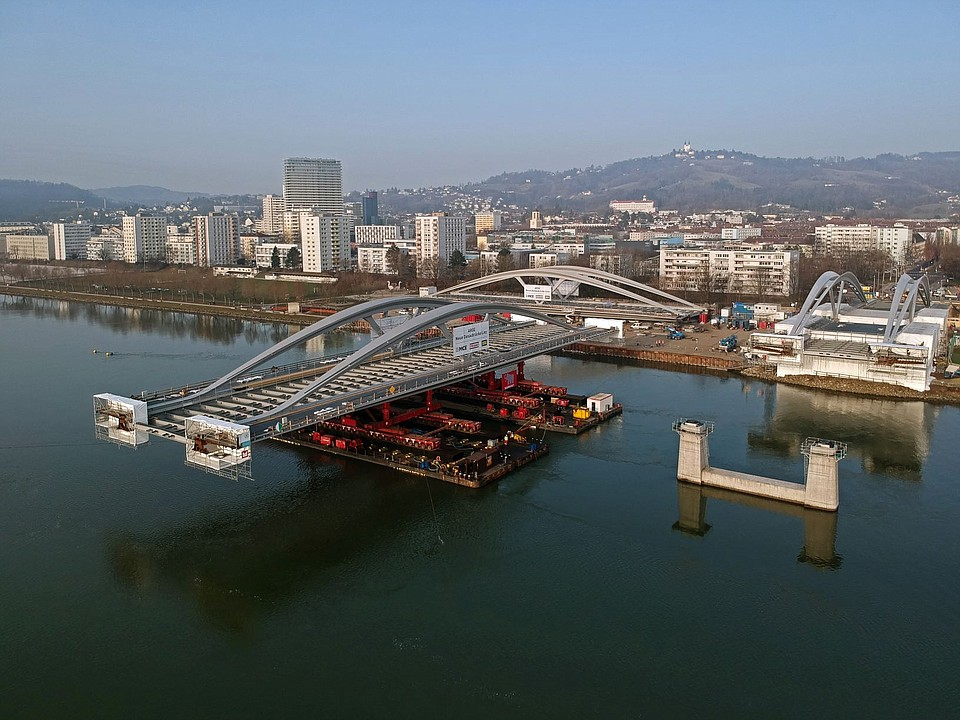 Mammoet Supports the New Construction of One of the Heaviest Bridges in Linz